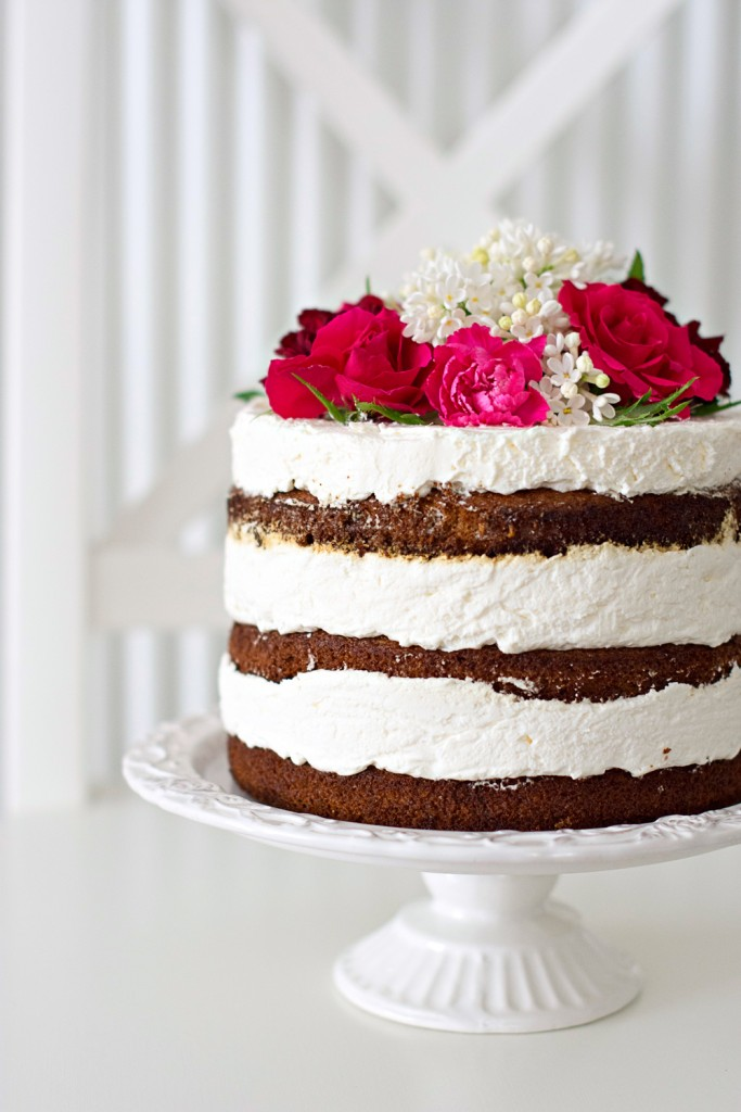 Gola torta s jagodama