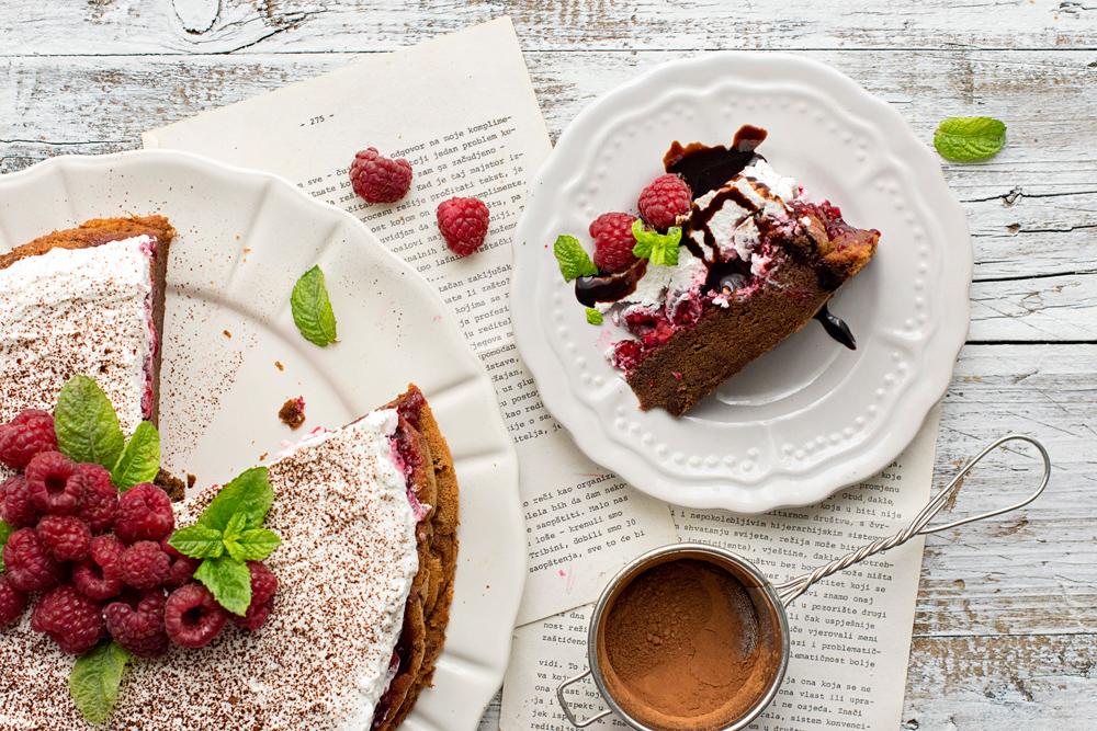 Bobanova torta s malinama