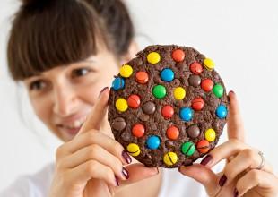 Čokoladni keks Giant cookie