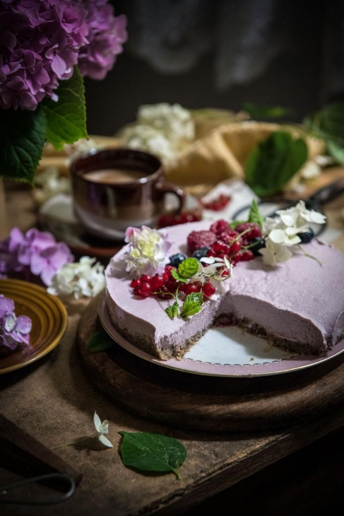 Sirova torta s malinama ili borovnicama